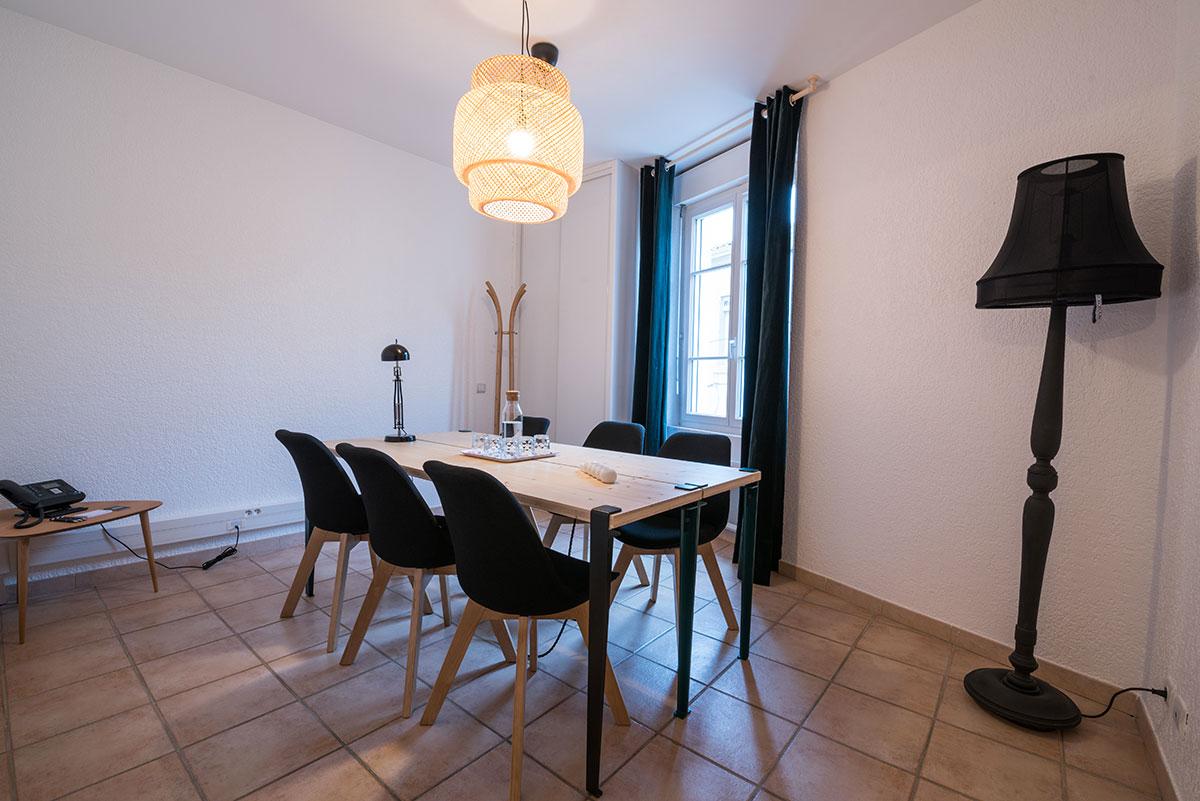 charles-working-location-de-salle-de-reunion-a-salon-de-provence-1